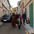A les vuit i mitja del matí, Sant Antoni, el dimoni i els dimonions, acompanyats per la Banda de Música i els xeremiers, varen començar la tradicional capta pels carrers. […]
