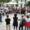 Un centenar de persones es van concentrar a la plaça de Son Servera i van llegir un manifest de la coordinadora per la pau i la democràcia de suport a […]