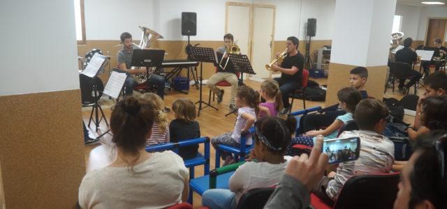 A petició de la Banda de Música, l'Escola Municipal de Música i Dansa, està realitzant un taller, per motivar als joves alumnes a aprendre a tocar instruments de vent. Aquestes […]