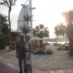 Els meus pares quan venguerem a Dubai devant el Burj al Arab