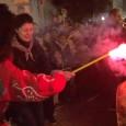 Després d'unes animades Completes, Sant Antoni i el dimoni sortiren al carrer, acompanyats d'una generació de veïnats, per encendre els foguerons del poble. A continuació, podeu veure unes imatges: