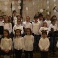 A Continuació podeu veure el cant de nadales, que interpretaren els alumnes de l'Escola Música la nit de Matines a Son Servera: