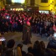Ahir vespre, va tenir lloc a sa plaça, la primera ballada de Sant Antoni amb el dimoni, acte quevosvàremoferir amb directe i que a continuació en podeu veure un resum.