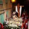 Aquestes són imatges de la processó del Divendres Sant, al pas pel carrer Major.