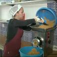 Aquest és el reportatge sobre els preparatius dels dolços artesans que prepara l'Associació Dignitat i Feina, i que es va emetre al programa La Mirada d'IB3.