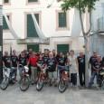 El passat diumenge 23 de juny varen arribar els motorets de la V Volta a Mallorca amb motoret. A continuació, podeu veure unes imatges de l'arribada a Son Servera.