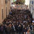 Al voltant d'unes 500 persones s'han concentrat a les portes de l'Ajuntament, per realitzar cinc minuts de silenci per condemnar l'assassinat de Victòria Sard Massanet. L'acte ha comptat amb una […]