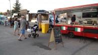 L'Ajuntament ha valorat positivament el Food Truck o menjar sobre rodes que, per primera vegada, s'ha celebrat en el marc de les festes de Cala Millor.
