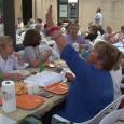 Una taula decorada amb motius mariners mallorquins amb fideus negres de menú va ésser la guanyadora del concurs de les millors taules parades del sopar a la fresca d'enguany. Multitudinari […]