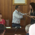A continuació podeu veure l'acte d'investidura d'Antoni Servera com a nou batle de Son Servera.