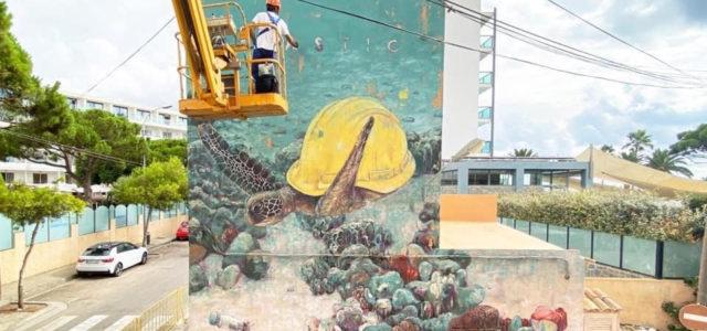 Plàstic/FàsticiNatura/No aturasón els dos nous murals que l'artista serverí Sath ha pintat a Cala Bona i a sa Coma respectivament i que sumen el sisè i setè mural d'aquesta ruta. […]